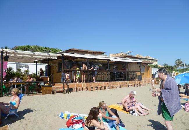 Hipopotamos Beach