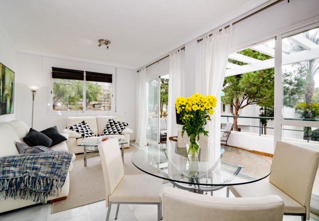 Apartamento en Nueva andalucia - SDG - Modern Apartment in Nueva Andalucia