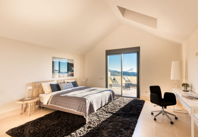 Apartamento en Marbella - 9052 - SUPERB PENTHOUSE WITH PRIVATE JACUZZI