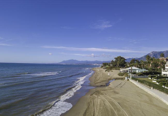 2. line beach Marbella