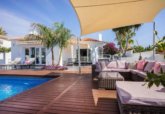 Villa in Marbella - 22024 - GREAT BEACH SIDE VILLA – SEMI HEATED POOL
