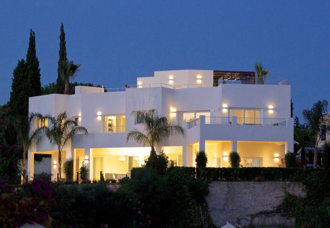 Villa in Marbella - 24550-EXQUISITE VILLA NEAR BEACH - HEATED POOL