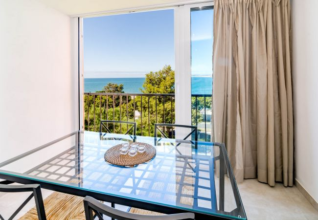 Apartment in Estepona - CP1-2 bedroom front line beach Cristo Playa