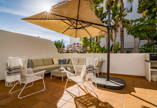 Terrace of 2 Bedroom Holiday Apartment with Pool and terrace in Estepona