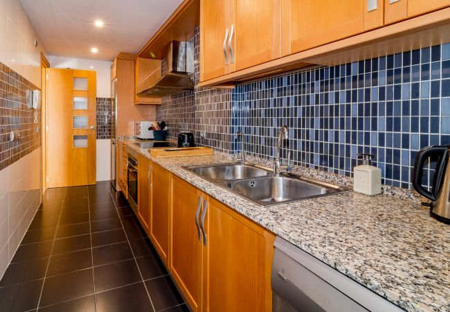 Kitchen of 2 Bedroom Holiday Apartment with Pool and terrace in Estepona