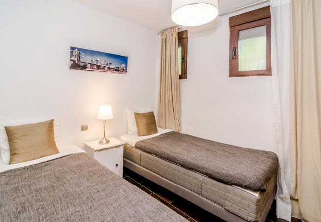 Bedroom of Magnificent apartment in Nueva Andalucia