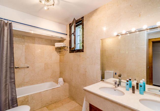 Bathroom of Magnificent apartment in Nueva Andalucia