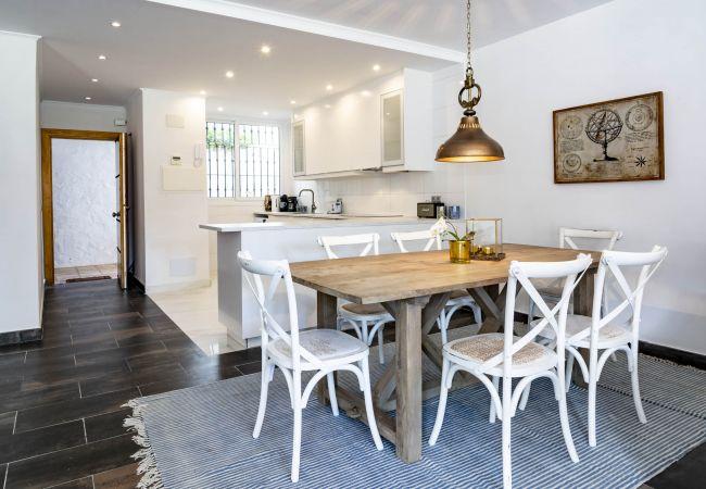 Dining Room of Magnificent apartment in Nueva Andalucia