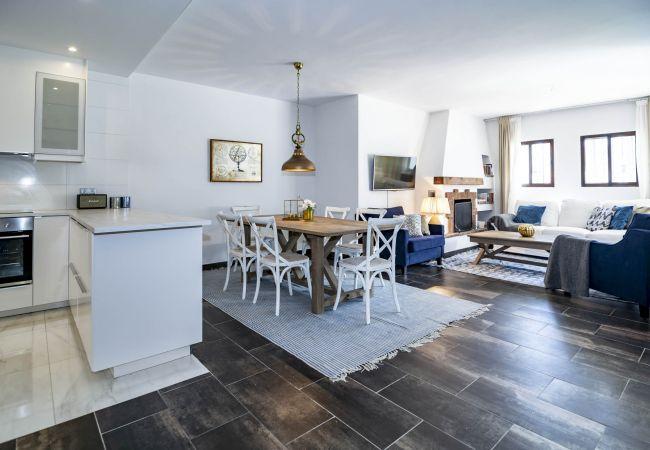 Living Room of Magnificent apartment in Nueva Andalucia