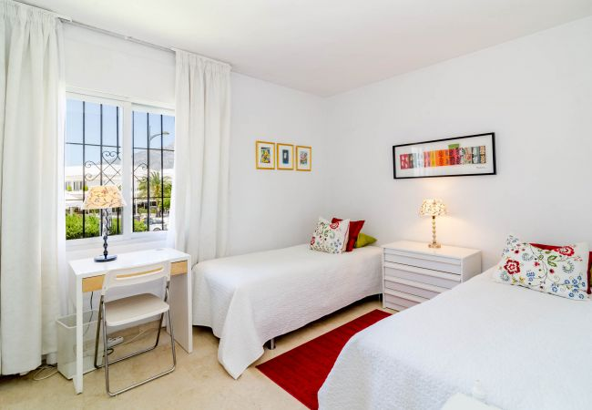 Apartment in Nueva andalucia - MA1-Marvelous 2 bedroom apt close to everything