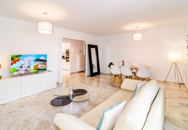 Apartment in Estepona - CNA-2 bedroom with large roof terrace