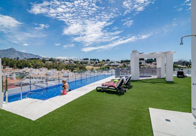 Apartment in Nueva andalucia - ALB301-Elegant Luxury Apartment with Rooftop Pool