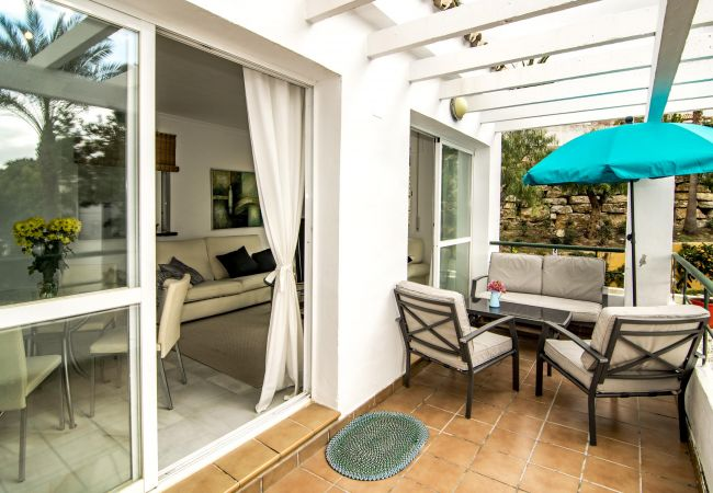 Apartment in Nueva andalucia - SDG - Modern Apartment in Nueva Andalucia