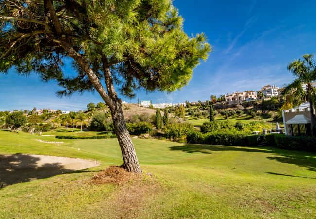 Apartment in Estepona - Family Friendly Apartment in Golf hills-GH2