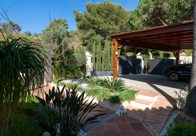 Villa in Marbella - MLVR - Contemporary 4 bedroom villa situated in o